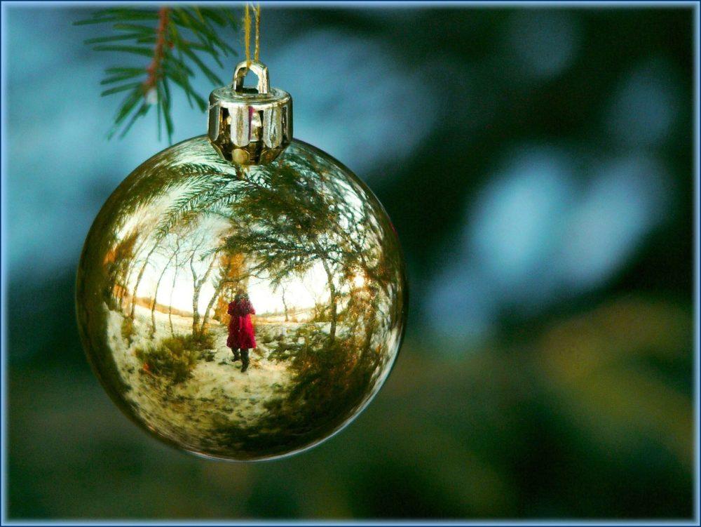 christmas-decorations-354254_1280